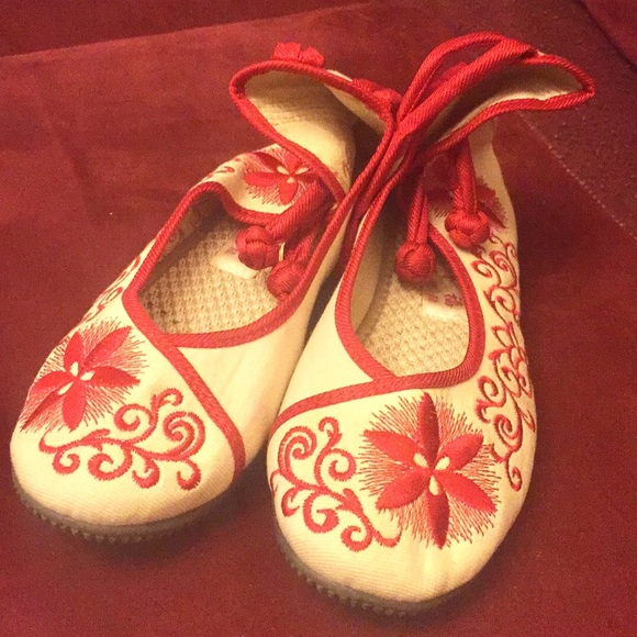 Shoes - Chinese embroidered shoes.